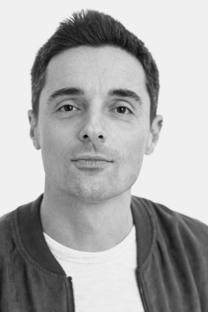 Federico Angi designer per Atipico